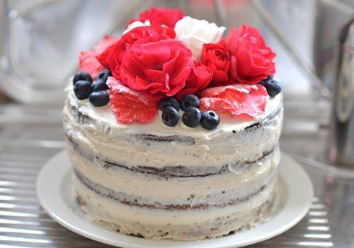 New Years Eve Treat – White Chocolate Vanilla Cake!
