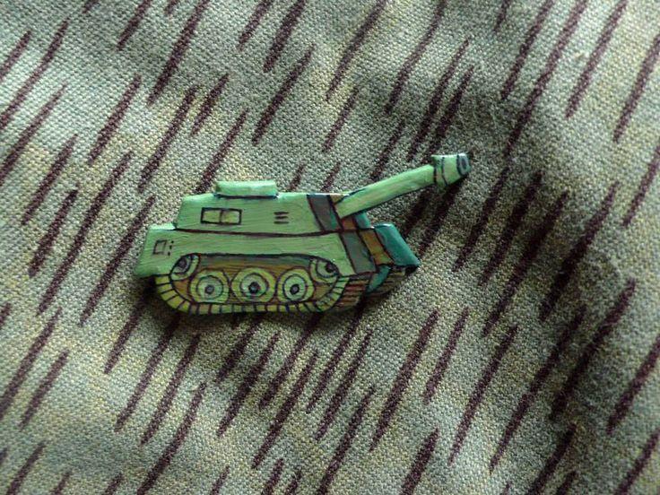 tank brooch