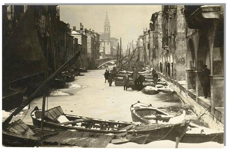 Frozen canal in the year 1929