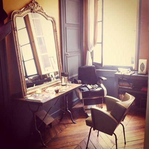 Decoration salon de coiffure pour homme for Deco meuble srl
