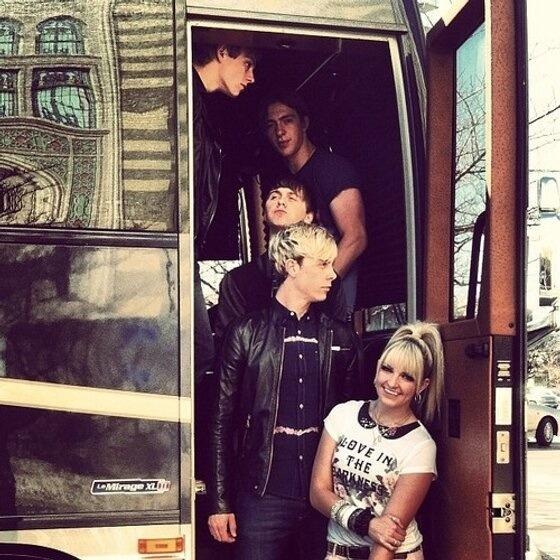 40 Best Images About Tour Bus On Pinterest Tour Bus