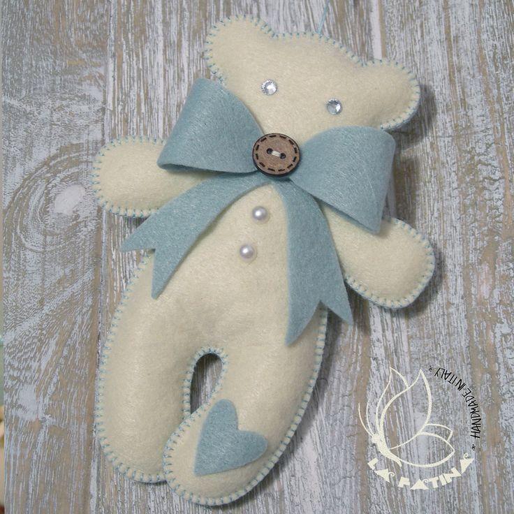 Decorazione natalizia in pannolenci a forma di orsetto