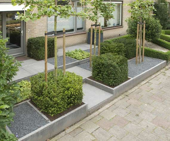 strakke voortuin Love the buxus squares for a change