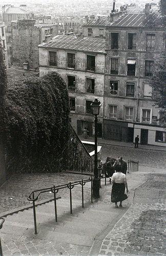 Montmartre, Paris, 28 July 1955 © Allhails