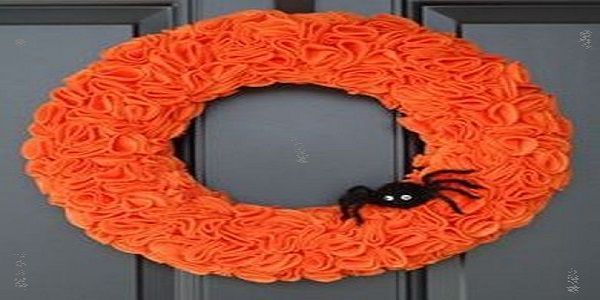 Cool Halloween Wreaths with Orange and Black Spider Wreath