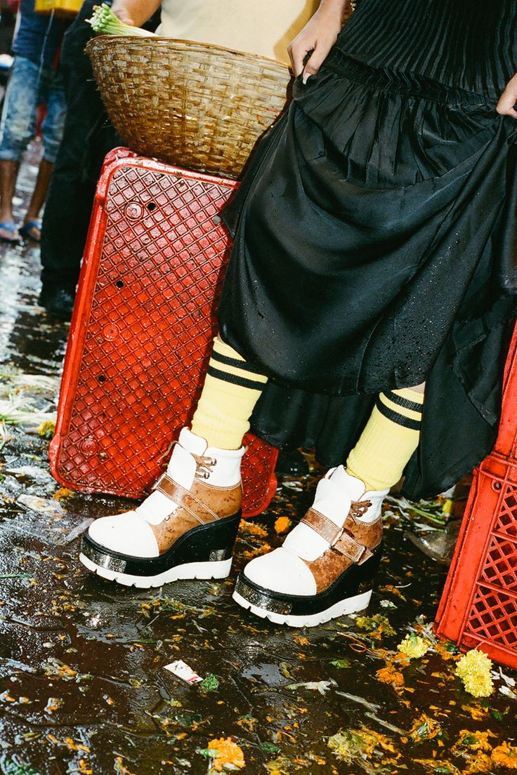 For Mumbai, Forever   Jeffrey Campbell Lookbook - Head2Heels   Fashion - Style…