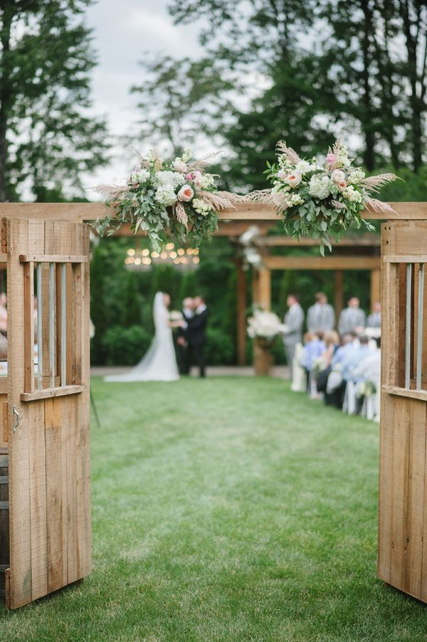 Castleton Farms Wedding by Jennie Andrews