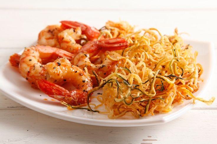 Spaghetti di zucchine e patate con gamberi ricetta