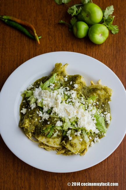 Para ese antojo de #comidaMexicana: Enchiladas verdes http://cocinamuyfacil.com/receta-de-enchiladas-verdes-mexicanas/