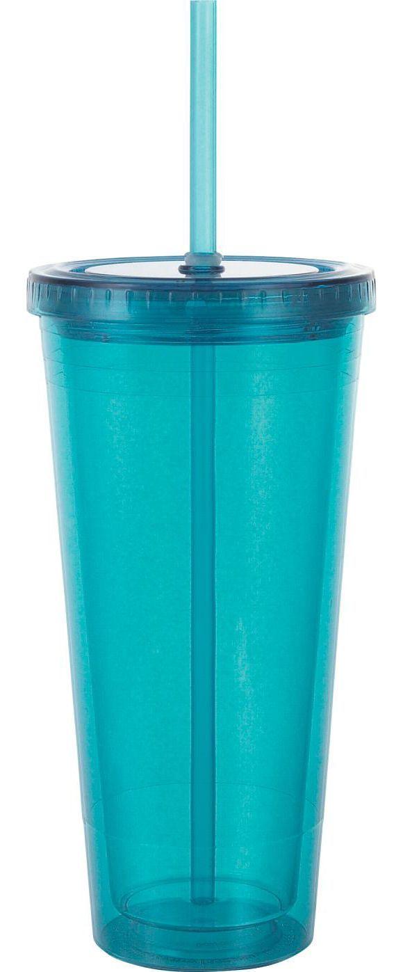 Dieser blaue Trinkhalmbecher aus glänzendem Acryl erleichtert Kindern das Trinken und macht auch Erwachsenen viel Freude. Er besteht aus einem Deckel mit Strohhalm und lässt sich kinderleicht reinigen. Der Becher hat ein Fassungsvermögen von ca. 600 ml und stillt somit auch einen größeren Durst. Genießen Sie Ihren Drink und legen Sie sich diesen Trinkhalmbecher zu!