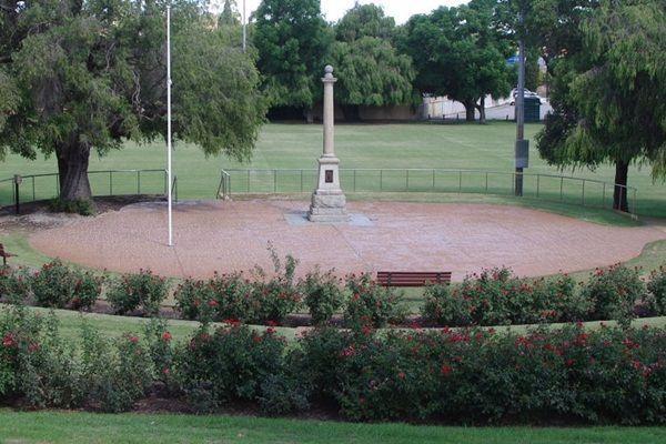 WWI memorial Bayswater