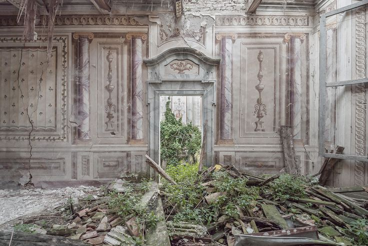 Gallery of Photographer Mirna Pavlovic Captures the Decaying Interiors of Grand European Villas - 11