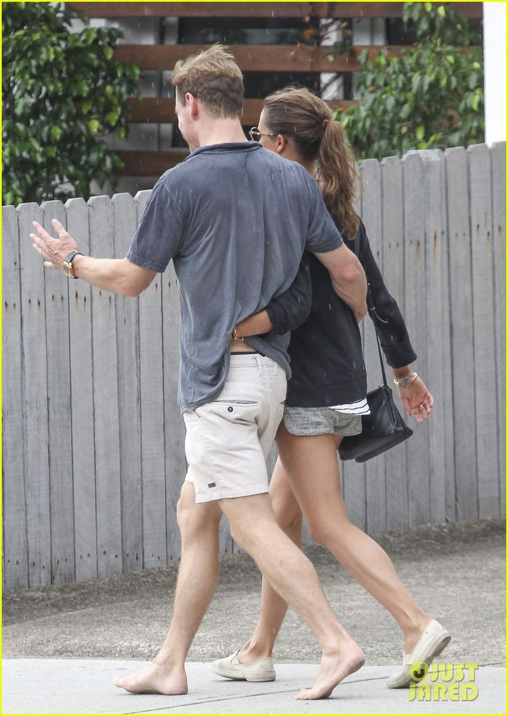 fassbender dating Nicole beharie who is an actress known for her role in the fox fantasy series 'sleepy hollow' is rumored that she is expecting a baby but it turns out the news about her pregnancy is a hoax because nicole hasn't dated anyone ever since her breakup with boyfriend michael fassbender image: nicole.