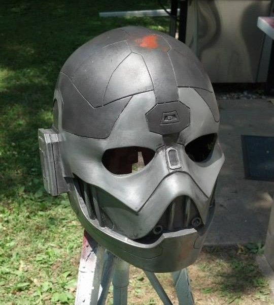 Sith Lord Kallig's 3D Printed Helmet from Star Wars: The Old Republic http://3dprint.com/81836/3d-printed-lord-kallig-helmet/