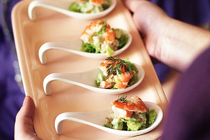 Gather+your+friends+around+for+a+girls-only+evening+with+these+elegant+prawn+cocktails.