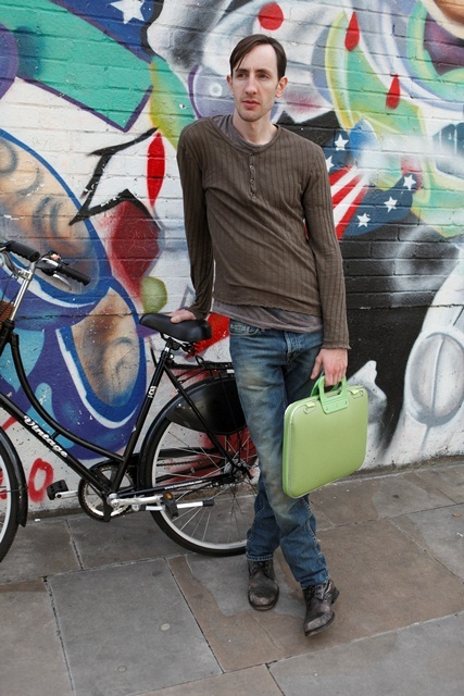 Camberwell bag in electric green