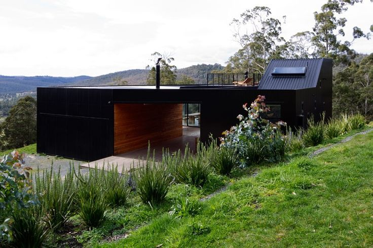 This house at Allens Rivulet Tasmania, uses roofing and walling made from COLORBOND® steel.