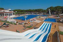 7. Camping Cypsela behoort tot één van de beste campings in Spanje en heeft een geweldig zwembad met mooie glijbanen en een speciaal kinderbad. http://www.canvasholidays.nl/spanje/spanje/cb04b/camping-cypsela