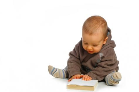 Can babies learn to read? Well, no. But that doesn't stop parents from using electronic media in an attempt to teach their infants to read.