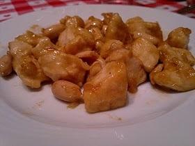petto di pollo alle arachidi