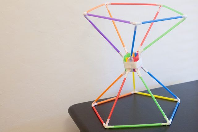 How To Build An Egg Drop Container With Straws Eggs