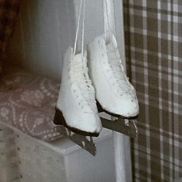 Dollhouse ice skaters