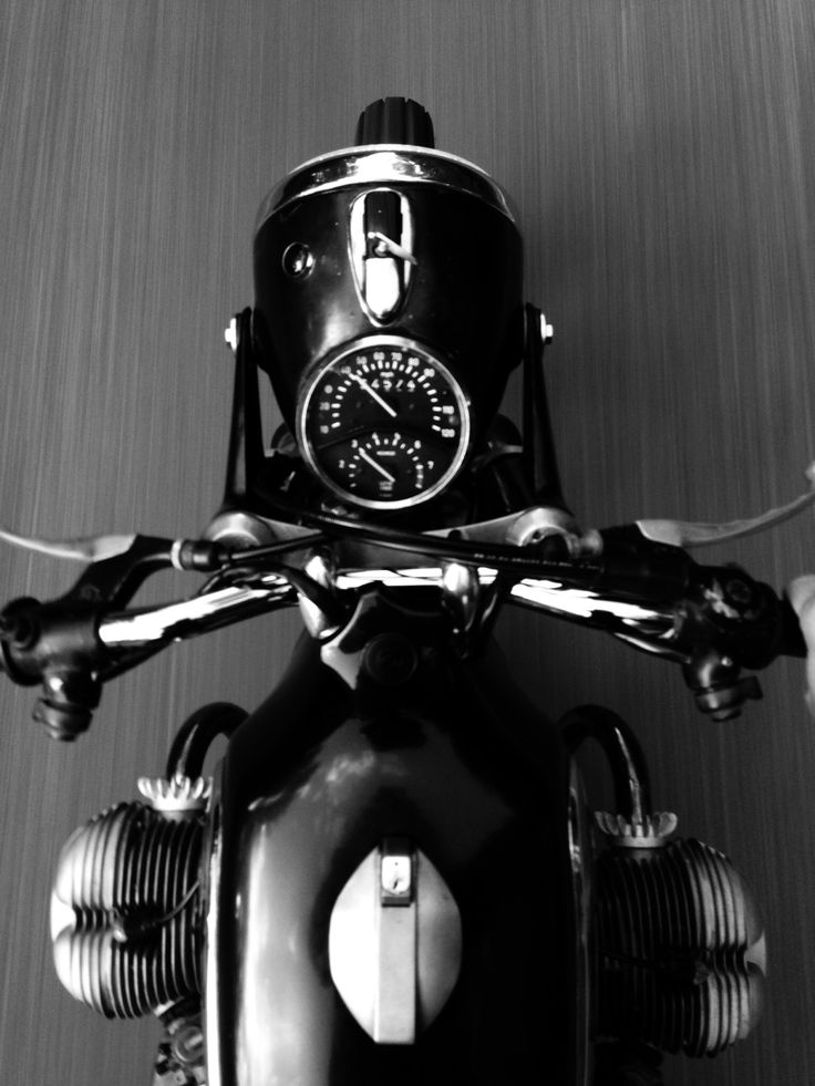 Best view on two wheels. BMW R50/5 Toaster tank