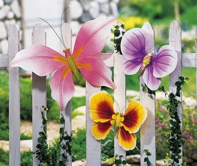 78 best images about fence decor on pinterest gardens for Butterfly lawn decorations