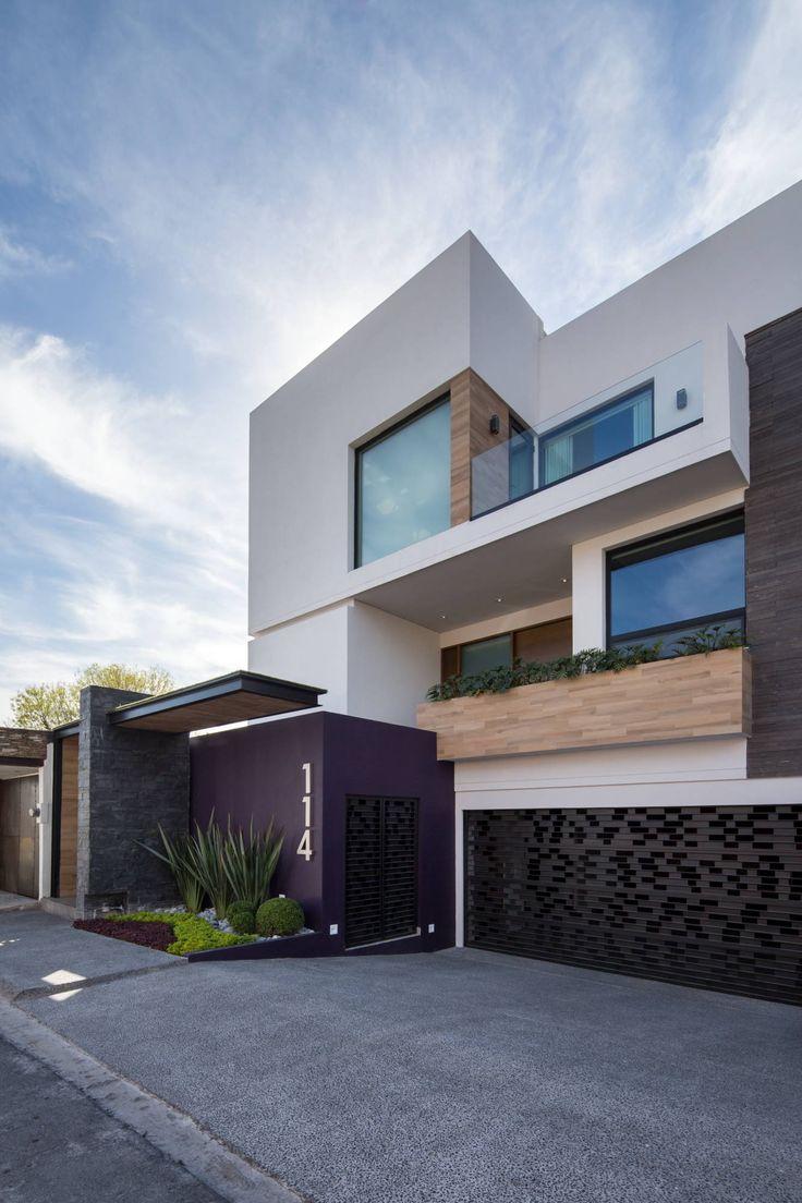 17 mejores ideas sobre fachadas de casas modernas en for Casas modernas pintadas