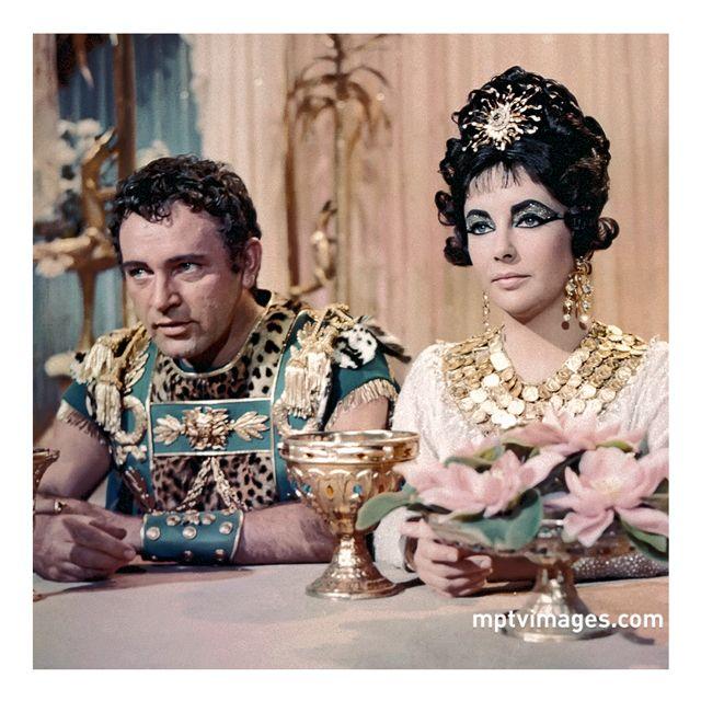 Richard Burton And Elizabeth Taylor In Cleopatra 1963 Richard Burton Elizabeth Taylor Elizabeth Taylor Elizabeth Taylor Biography
