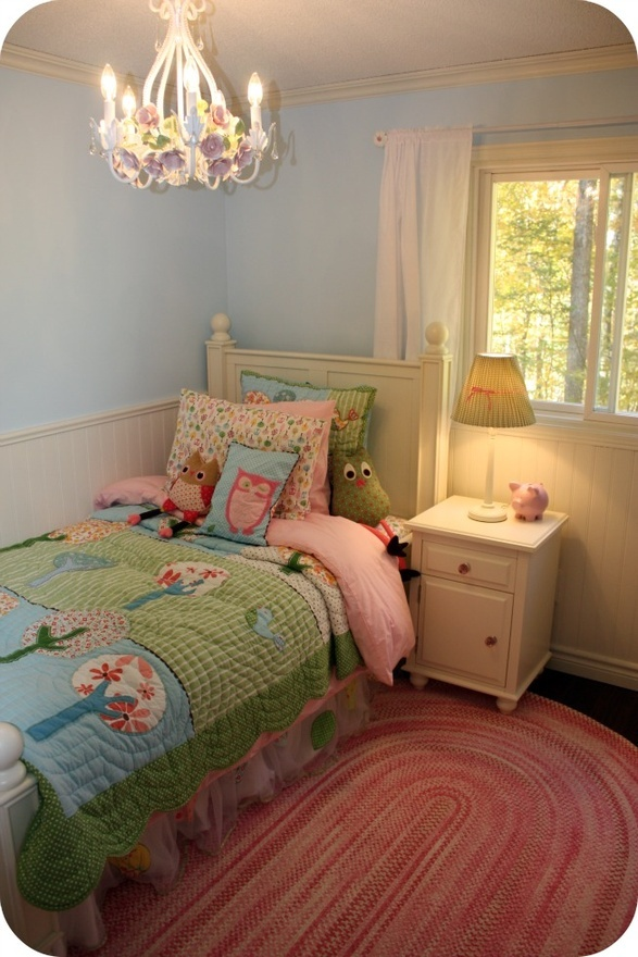 blue walls, white panel, white and pink accents