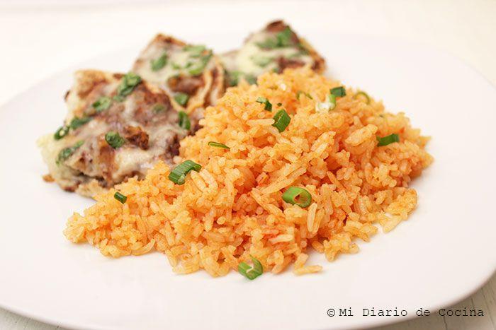 Deliciosa receta de Arroz mexicano, que al primer bocado te lleva a los típicos sabores de la cocina mexicana. Un acompañamiento excepcional.
