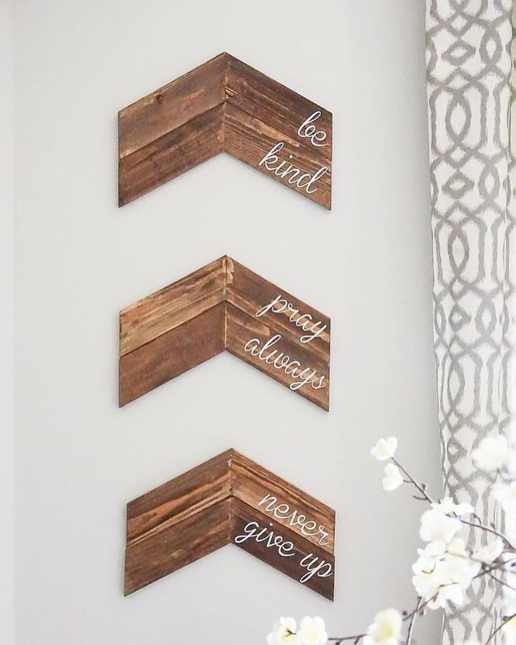 Chevron wall decor from @simplydesigning I have the perfect spot in my house for these!