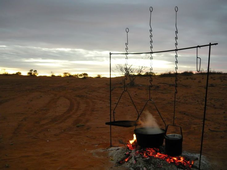 Diy Outdoor cooking. Although camping is NOT my thing, there are some pretty ingenius cooking ideas here.Outdoor Teepe Diy, Camps Ideas, Outdoor Ideas, Camps Out Cookouts, Fire Camps, Cooking Outdoor, Diy Outdoor, Outdoor Cooking, Awesome Pin