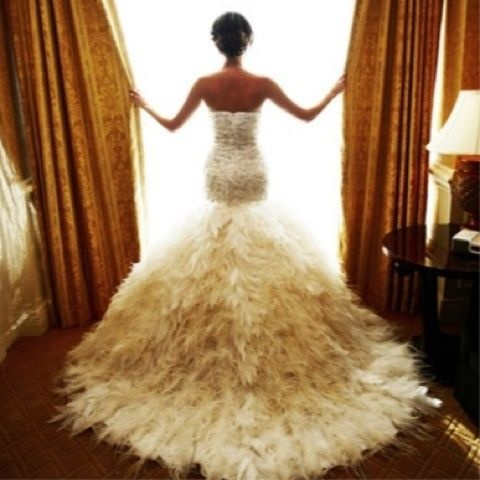 my kind of dress! Dramatic!