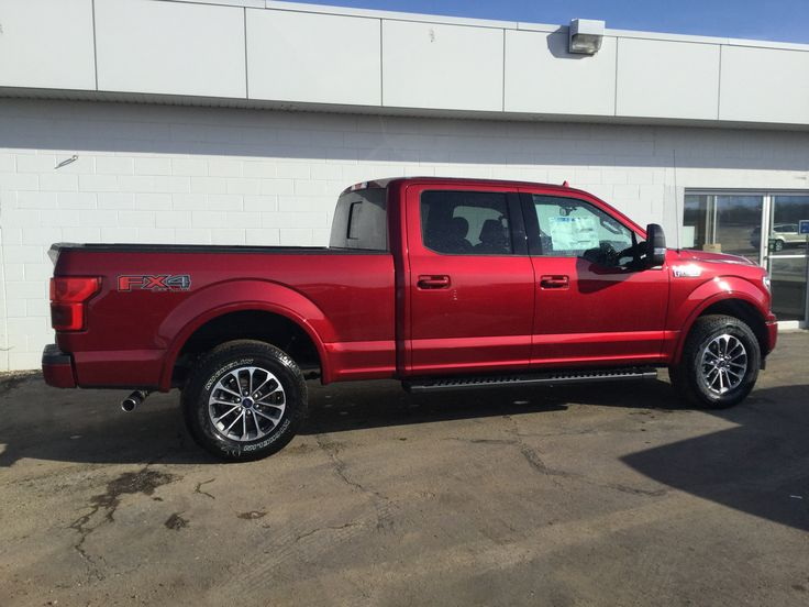 •Exterior Ruby Red •Drivetrain 4x4 •Transmission