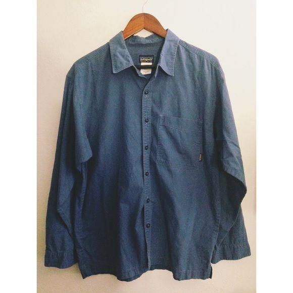 Men's Patagonia shirt Men's blue Patagonia button up. Organic cotton. Size medium. Looks great Patagonia Tops Button Down Shirts