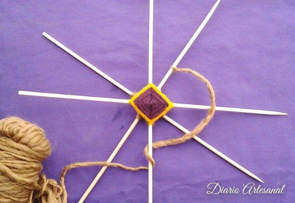 Mandalas de lana Ojo de dios, paso 5