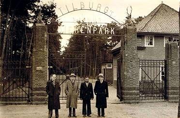 Tilburgs Dierenpark, een kiekje uit de oude doos Als  tilburgs schoolmeisje/ 6e klas/ er voor de eerste keer  heen geweest.