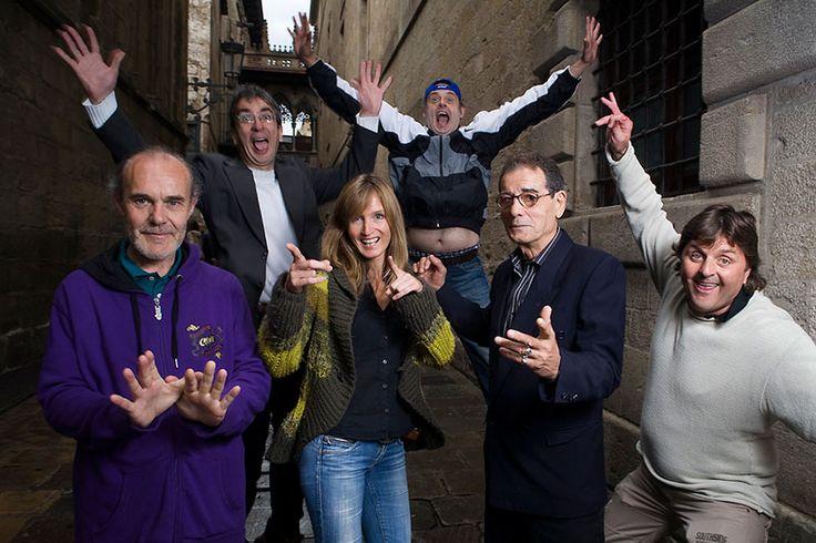 """Lisa Grace creó en octubre de 2013 Hidden City Tours, una forma de visitar la Barcelona alternativa de una forma muy original: los guías son antiguos sin techo. ¿La experiencia? """"Te va cambiar la vida"""", afirma tajante. Como la de estas personas a las que con su proyecto, Lisa está sacando de la calle."""
