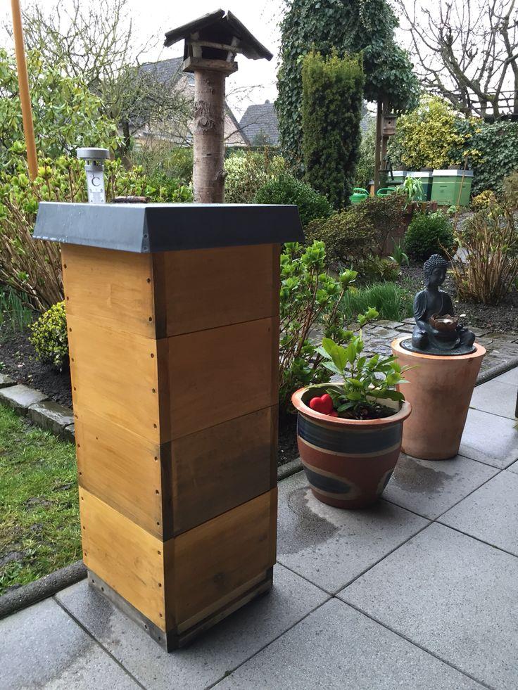 Fancy  Beute Garten Bienen Bees Buddha Buckfast MiniPlus Holz Biene Gartenfreund Beekeeper Beecolony Bienenstock Bienenwachs Waben Wabe Natur