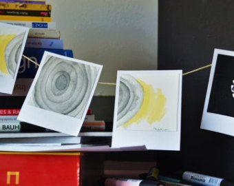 Illustrations originales, signées, techniques mixtes au format polaroïd. Séries de 4. Original illustrations, signed, mixed media, polaroïd shape. Series of 4.