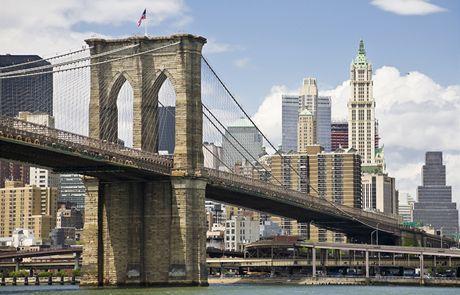 Brooklynský (na snímku) i Manhattanský most vydávají ve dne v noci pekelný rachot. Místní obyvatele to vzrušuje. | na serveru Lidovky.cz | a...