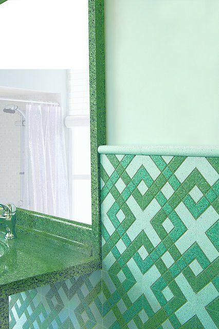 Cornice specchio listello l3 art. 77 verde, top art. s77 verde, rivestimento inciso Ip11 #bagno #white #green #colors #decorigeometrici #tiling #terrazzotiles #bathroom #detail #graniglia #pavimento #artigianato #handmade #decoration #creative #bespoke #madeinitaly #interiordesign #floors #floortile