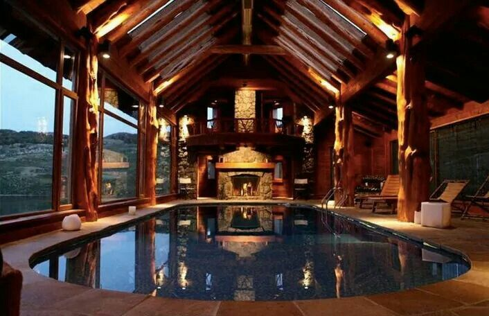 Oh I'd love a cabin with an amazing indoor pool like this♡