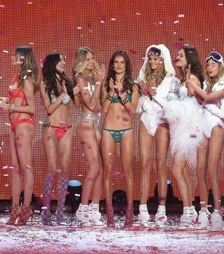 Victoria's Secret Melekleri Bu Yıl Paris'te Işıldayacak