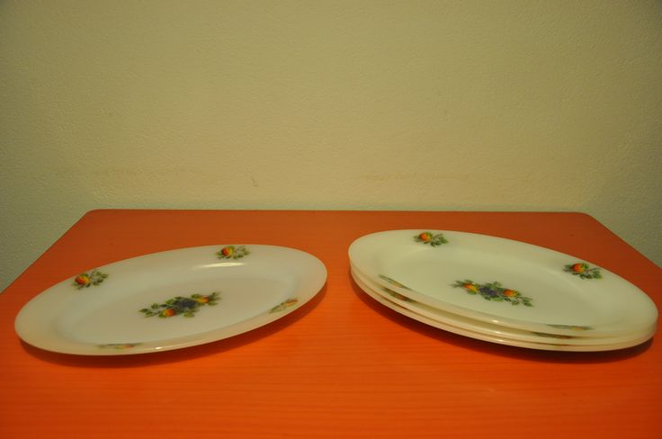 Arcopal oval  serving plates. Fruits de France pattern.