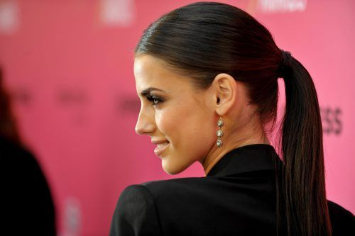 Best Haircut For Thin Hair Female in Ponytail Style