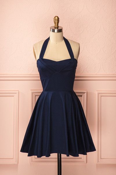 Bedelia ♥ Le bleu de minuit de cette robe vous enveloppera de près comme la magie de Morphée.   This midnight blue dress will closely enshroud you like Morpheus' magic.