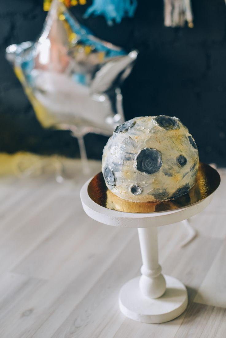 Space moon asteroid planet cake birthday party smash cake session first cake | Первый день рождения ребёнка космическая тема торт луна планета астероид выпечка торт на заказ